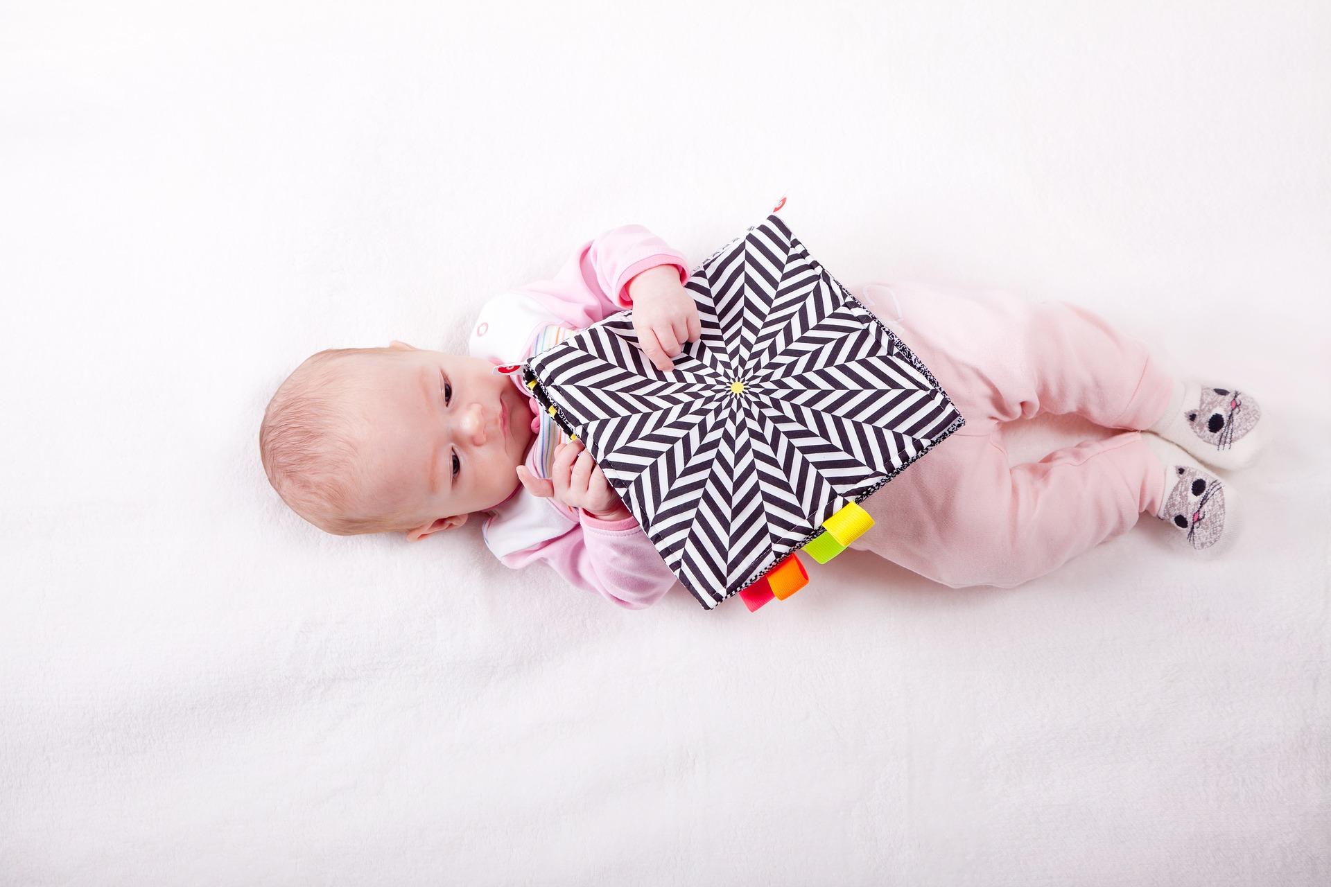 the-little-girl-3045364_1920